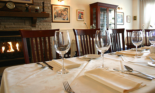 Groups Le Montmartre French Restaurant Toronto On 416 630 3804